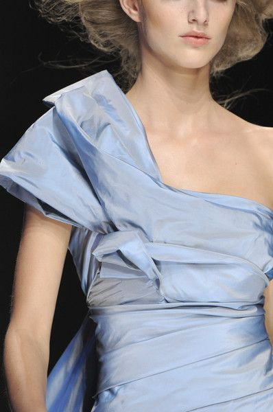 Elie Saab at Couture Fall 2008 #runwaydetails