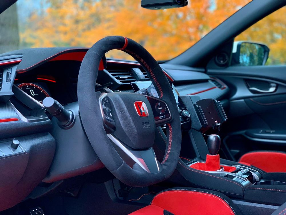 Wheel Is From Dream Automotive Available For Ordering From Chinchi Chiang At United Speed Racing Dash Visor Hood Bo Shift Boot Honda Civic Type R Honda Civic