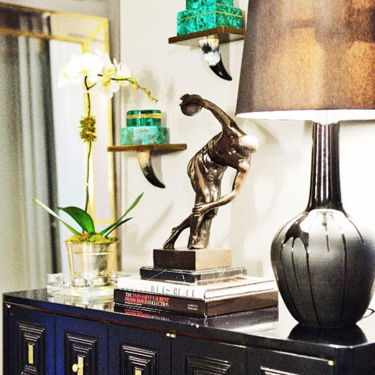 Pin By Tarun Bhatnagar On Styling Interior Vignette Interior Design Decor