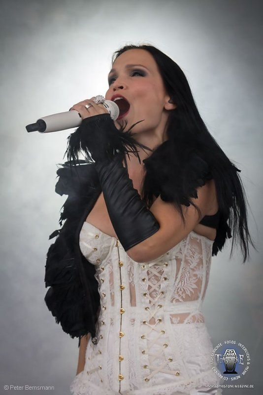 Gothic metal bands with female singers