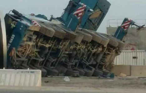 Sarens Nass JV 500 ton all terrain overturned in Qatar
