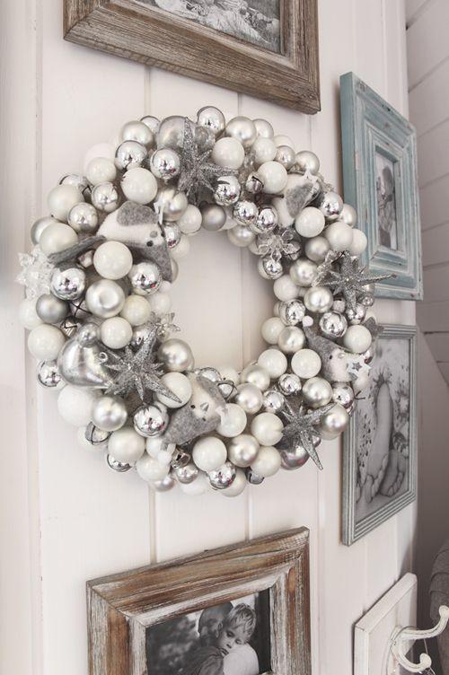 Dekoracje Bozonarodzeniowe Ozdoby Swiateczne Na Drzwi I Przy Wejsciu Glownym Gr Christmas Wreaths Christmas Crafts Decorations Christmas Decor Inspiration