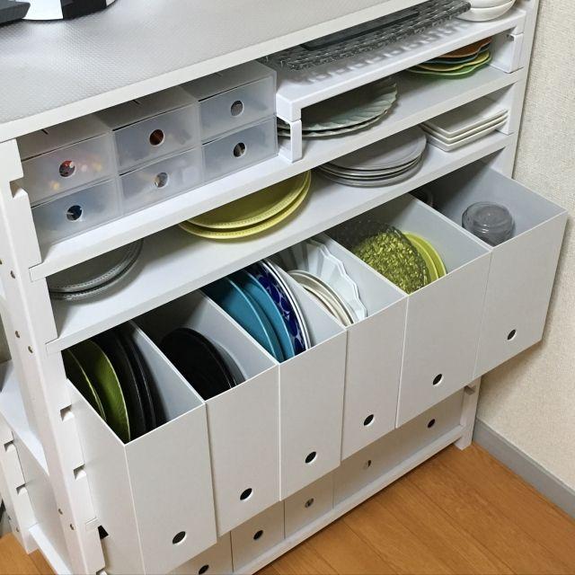 Konmari Kitchen Organization: たくさん置いてもすっきり!食器棚の食器収納のコツ