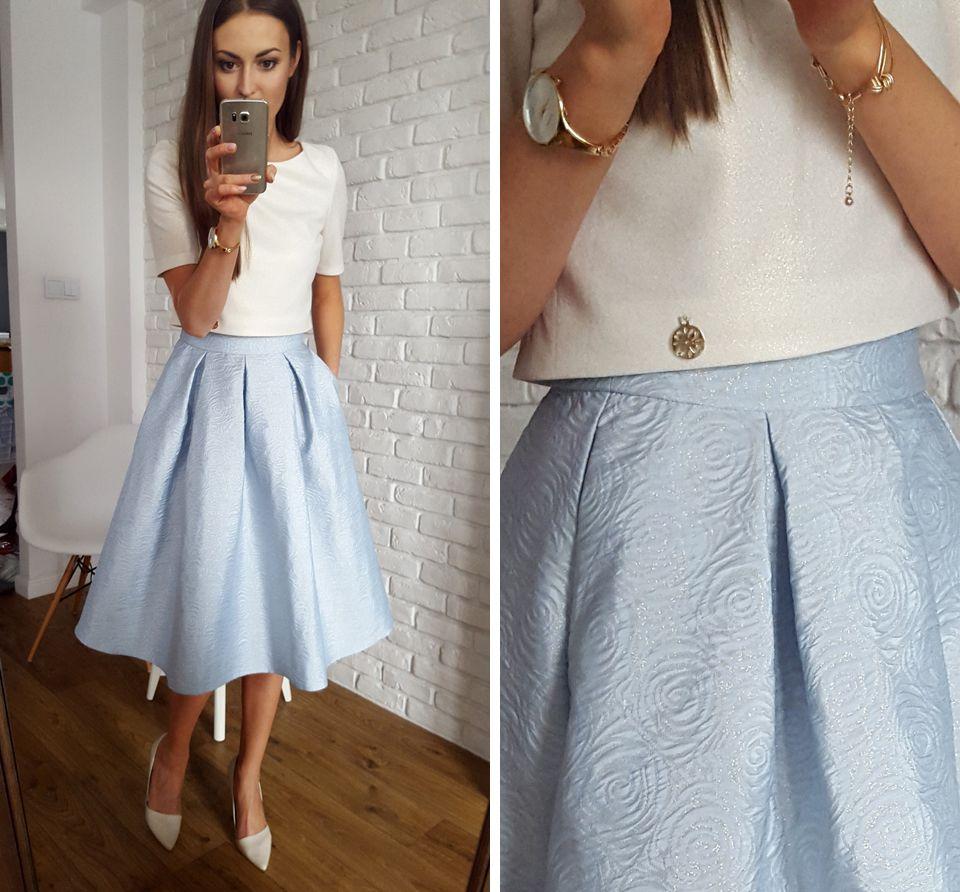 432e31d6aa2a74 Tulle midi blue skirt with gold blouse / Tiulowa długa spódnica ze złotą  bluzką. Elegancki komplet na letnie uroczystości 350 zł www.illuminate.pl