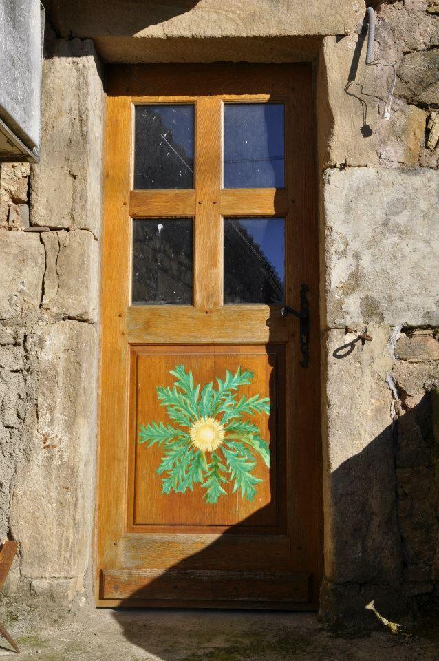 Soleil peint sur une porte d\u0027entree porte Pinterest House doors