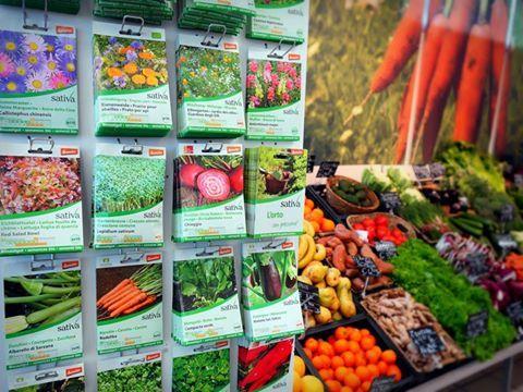"""""""Marzo suto e Aprile bagnà: beato chel contadin che gha semenà"""". E voi, siete pronti? Al raggio sono arrivate tante nuove sementi biodinamiche Sativa, per l'orto e per il giardino."""