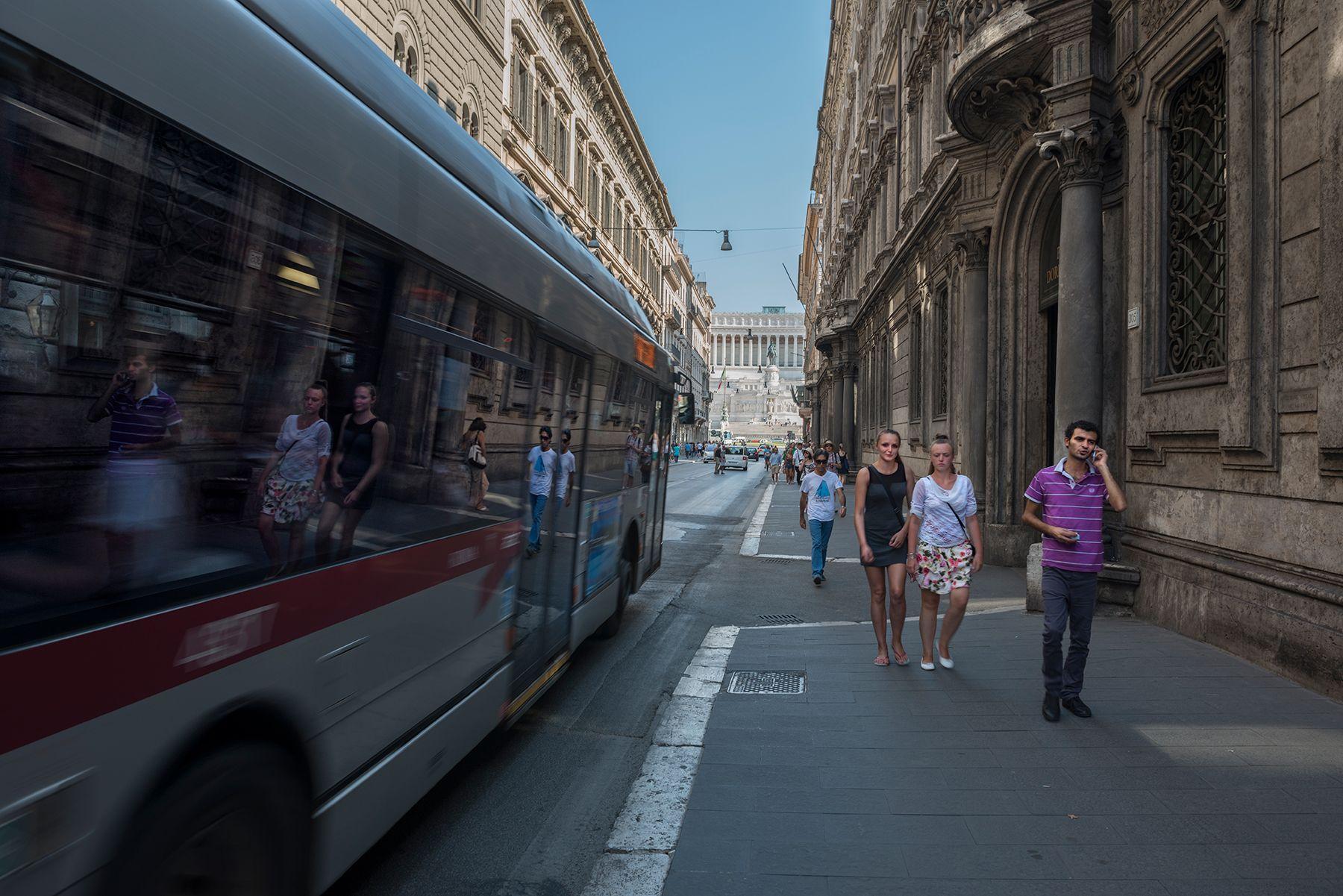 Autobús con reflejos