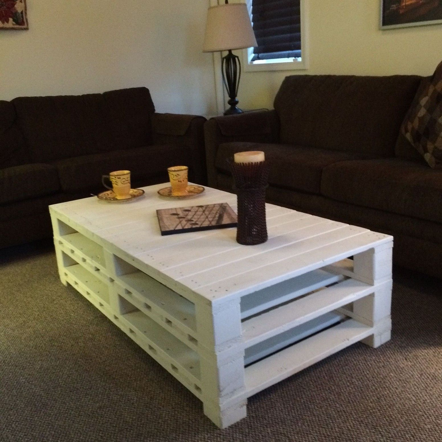 5 ideas for a do it yourself coffee table lets do it coffee 5 ideas for a do it yourself coffee table lets do it solutioingenieria Choice Image
