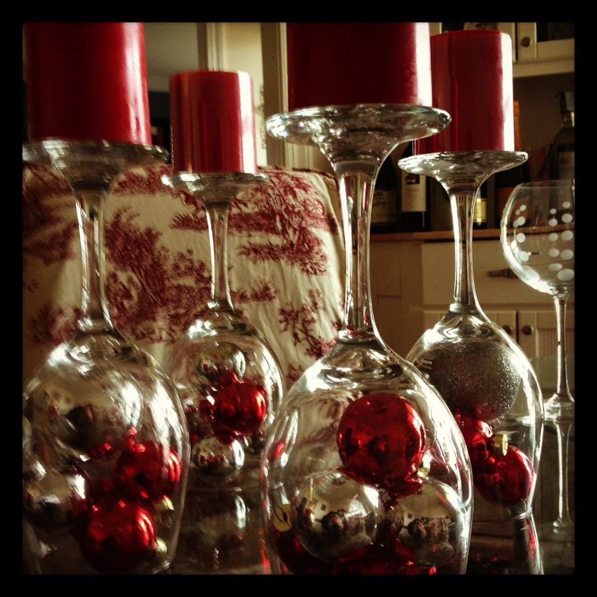 Christmas centerpiece (With images)   Dining room table ...