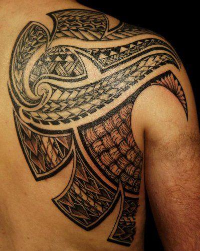tatouage samoa tribal sur l 39 omoplate du dos d 39 un homme samoan shoulder blade tattoo for men. Black Bedroom Furniture Sets. Home Design Ideas