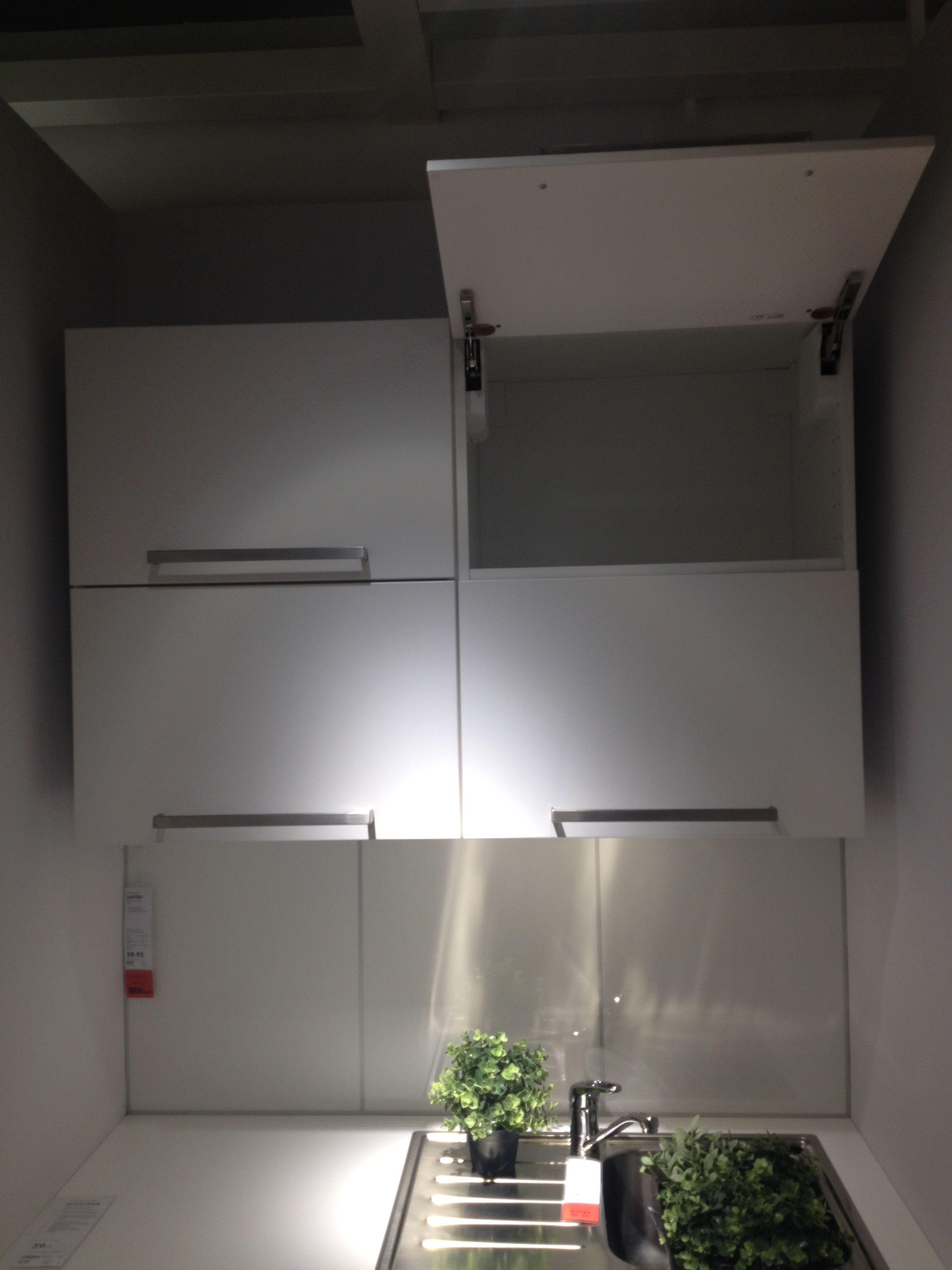 weiße klappbare Küchenoberschränke | Kleine küche | Pinterest ...