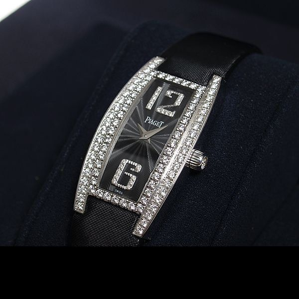 Piaget [NEW] Archive Limelight Tonneau Small G0A29066 HK$199,200.00 see more at:http://www.celebritystyle.com.hk/