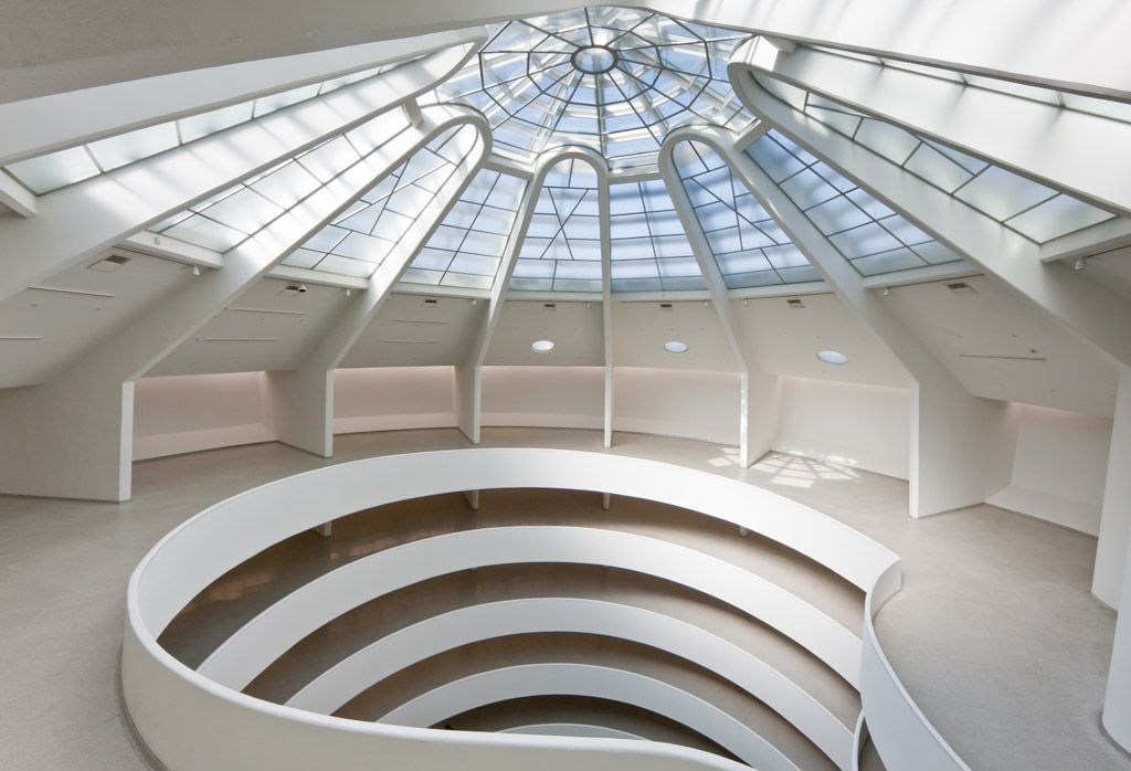 Interior of the solomon r guggenheim museum new york for The interior ny