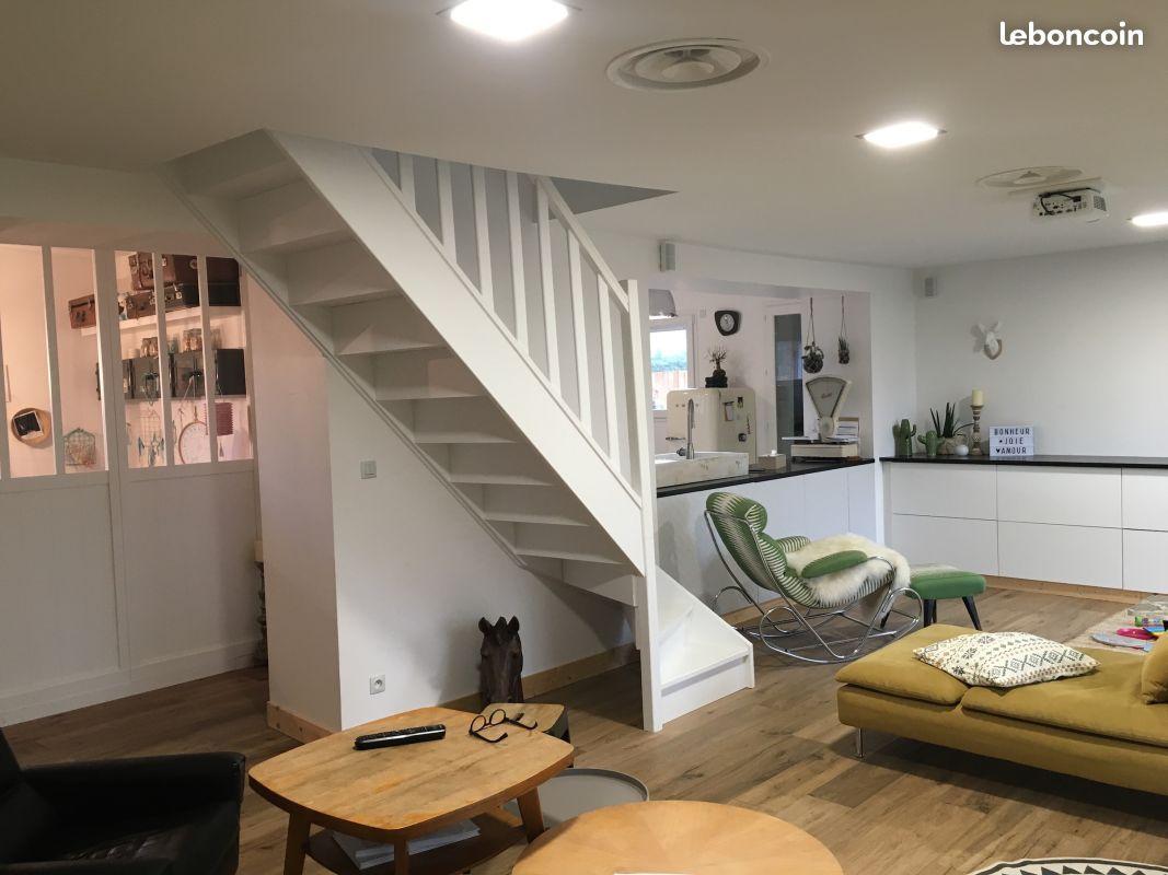 maison 7 pi ces r nov e avec go t ventes immobili res. Black Bedroom Furniture Sets. Home Design Ideas