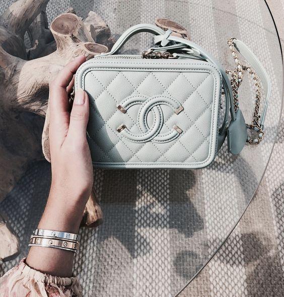 Pin De Camila En Bolsos Bolsos Chanel Carteras Cartera De Moda