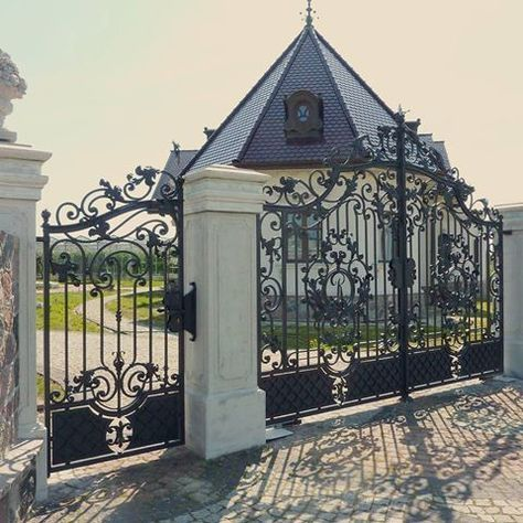 28 Awesome Driveway Gate Ideas To Impress Your Guests Wrought Iron Driveway Gates Gate Design Driveway Gate
