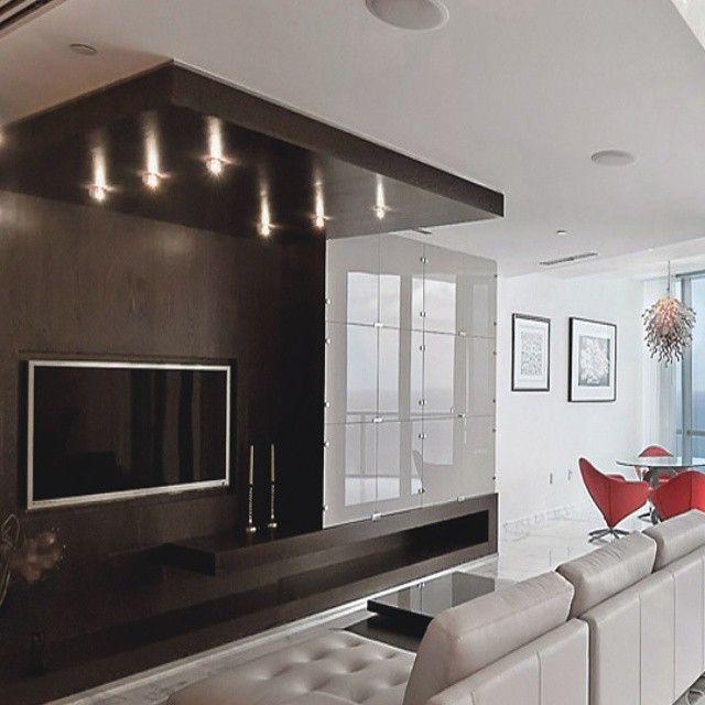 Elegante #diseño de #mobiliario minimalista en tonos oscuros como el - mueble minimalista
