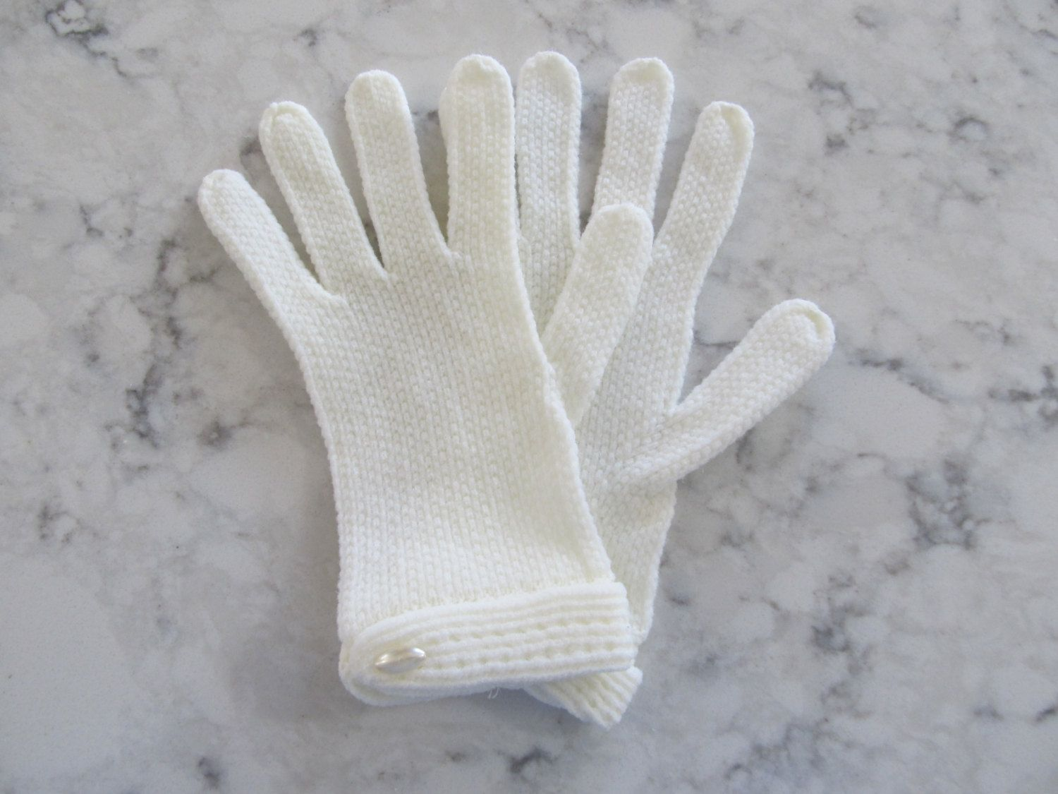 """VINTAGE 1950's Ivory White Little Girls Stretch Gloves-Brand New-Unused--7"""" Long--Size 6 1/2--Glove Auction #266 by PrimaMona on Etsy"""