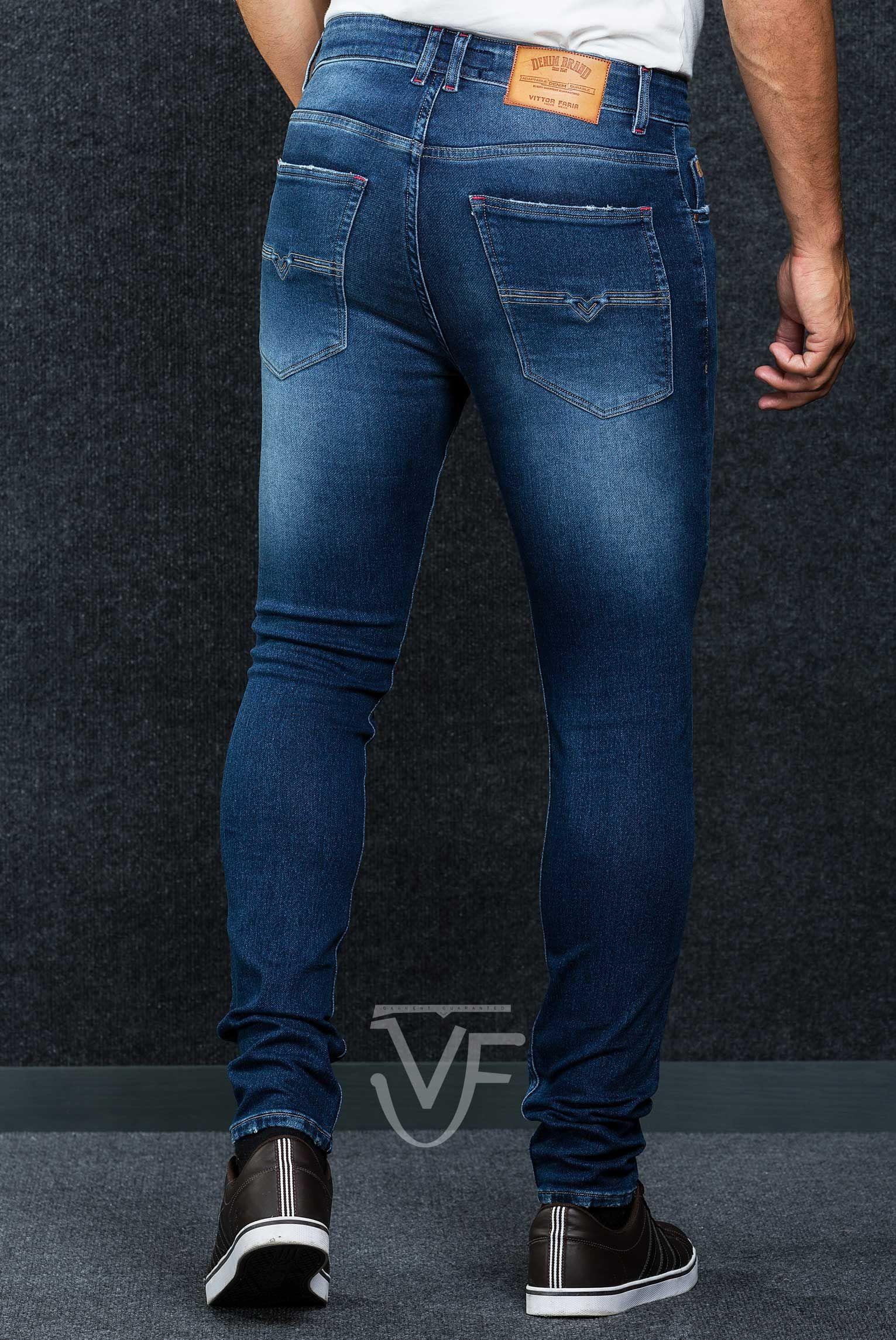 Jeans Skinny Basic VF original Denim ULTRA STRETCH  Fit: Jeans deve ser vestido justo  Pormenor: Bordado 3D  Perna: Justa Cor: Sky blue Marca: VF - VITTOR FARIA