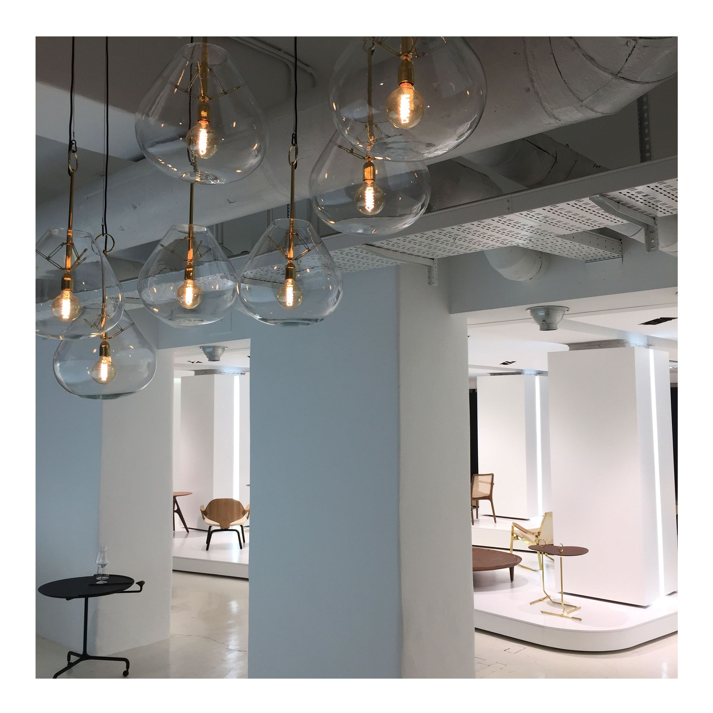 Salone Del Mobile Milano Blue Wall Design Hanging Light Bulb  # Barre Duque Muebles