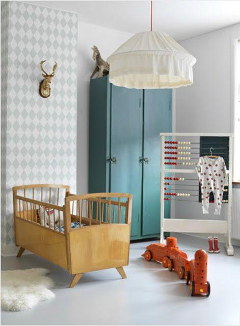 chambre bébé pour un garçon jolies couleurs, tête de lit
