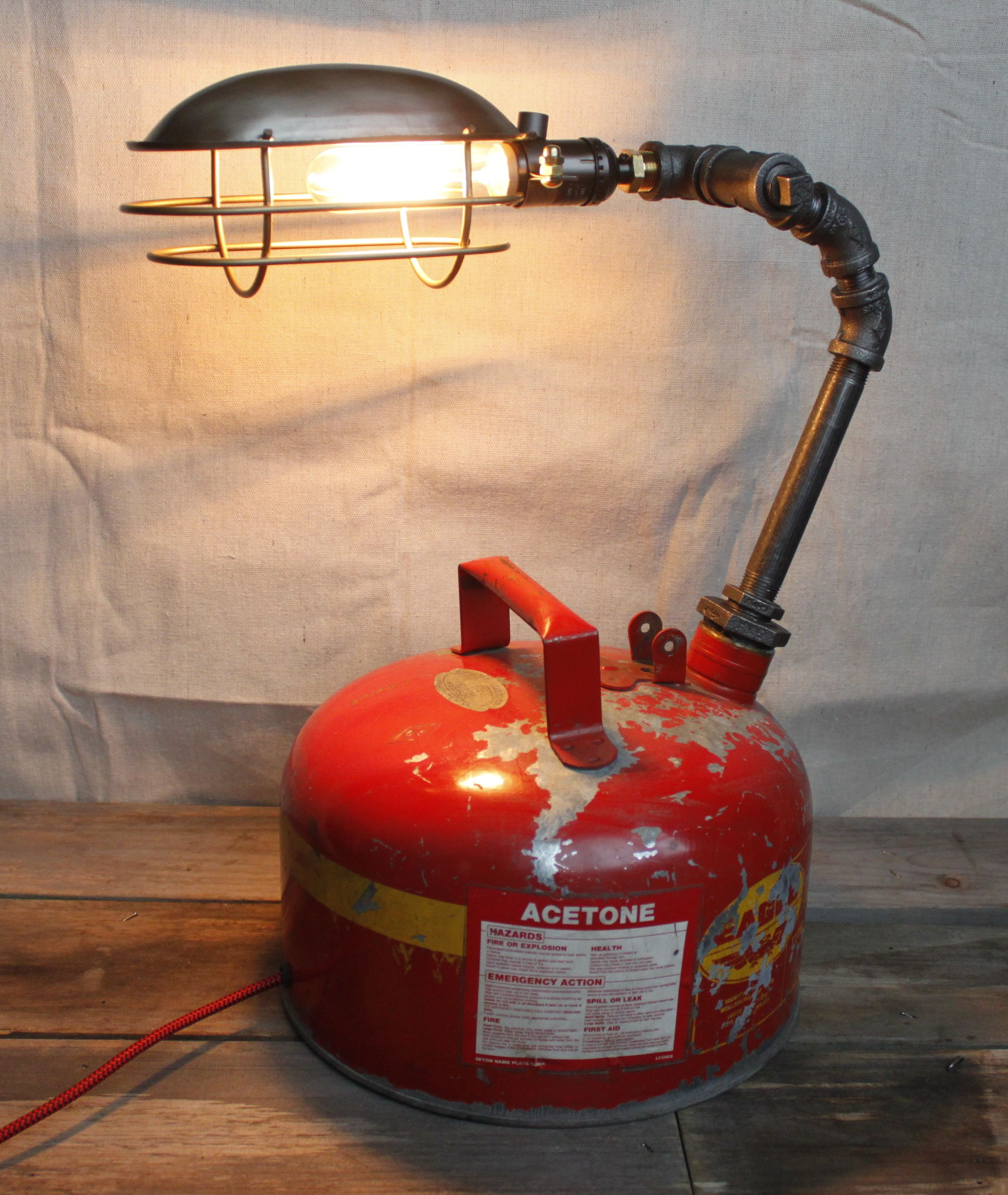 Industrial Rig Lights Ir4: Industrial Pipe Lamp W/ Trouble Light Cage