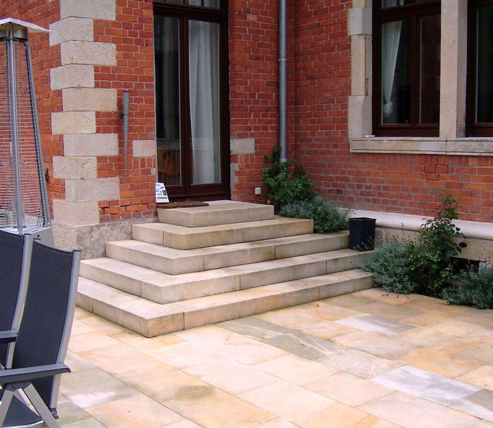 sandstein blockstufe 80x30x15 cm gartentreppe. Black Bedroom Furniture Sets. Home Design Ideas