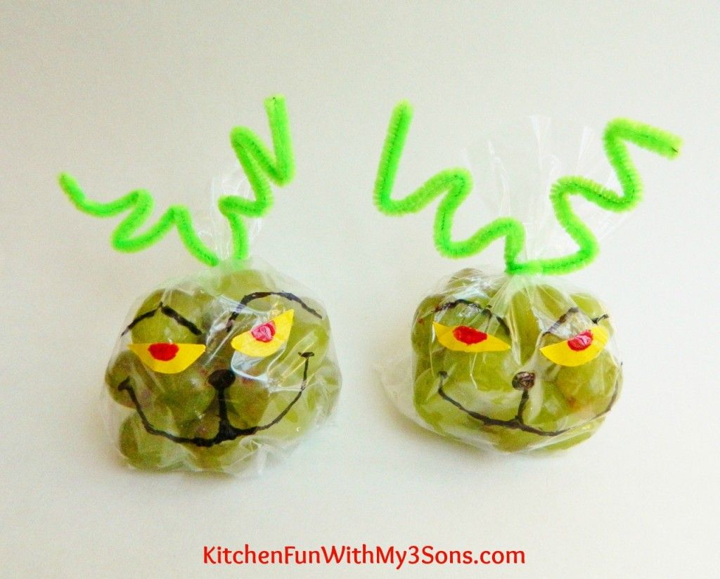 The Grinch Grape Snack Bags For Class Parties At School From KitchenFunWIthMy3Sons