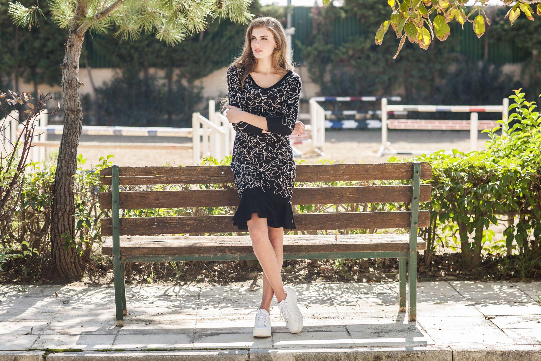 67a2860b861 SWEATER DRESSES: A LOVE AFAIR! Τα πλεκτά φορέματα επέστρεψαν με νέα ...