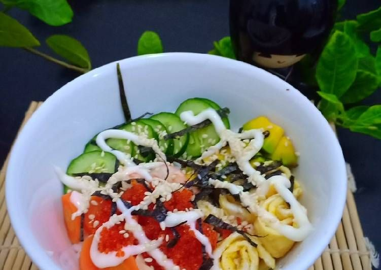 Chirashi Sushi Bowl In 2021 Sushi Bowl Homemade Sushi Tuna Sushi Bowl