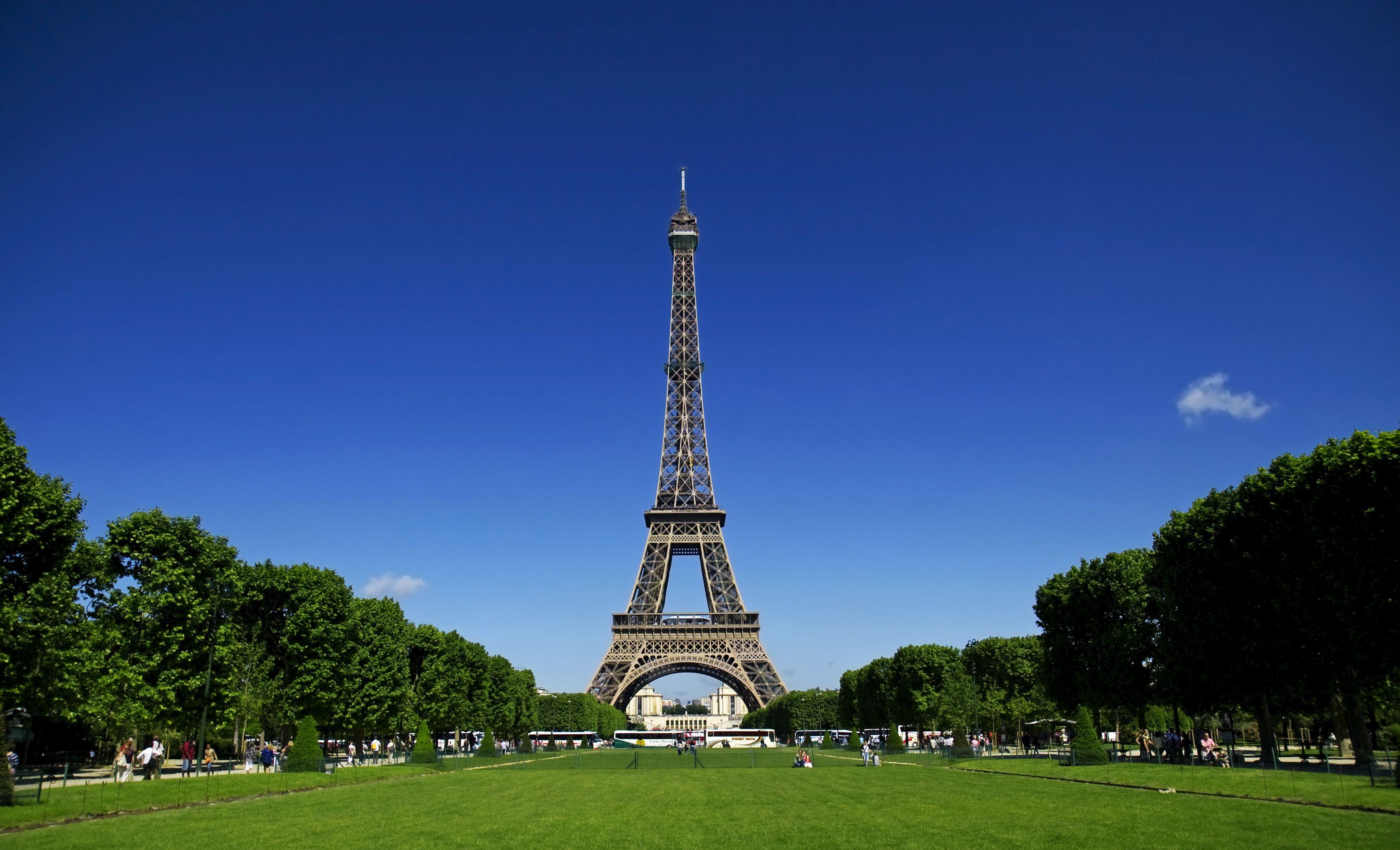 Szukasz hotelu w Paryżu? Najtaniej zarezerwujesz go na rezerwuje.pl