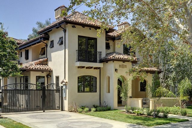 Spanish and mediterranean house styles amazing 2 willow for Mediterranean style exterior