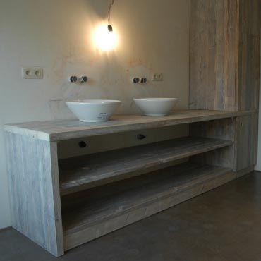 Badkamermeubelen op maat in gebruikt steigerhout 1 Raw Creations ...
