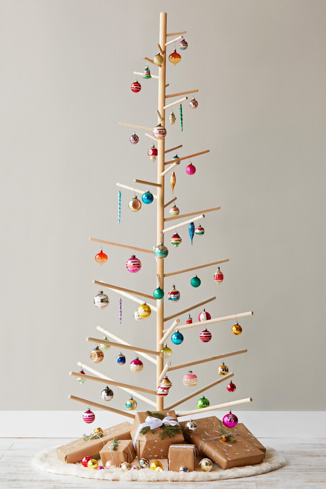 10 Creative Diy Christmas Tree Ideas For Small Space Living In 2020 Christmas Diy Unique Christmas Trees Christmas Crafts
