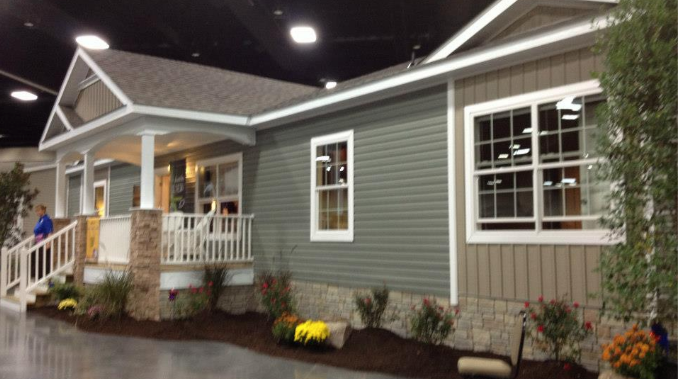 Clayton home show porch front porches and house - How long do modular homes last ...