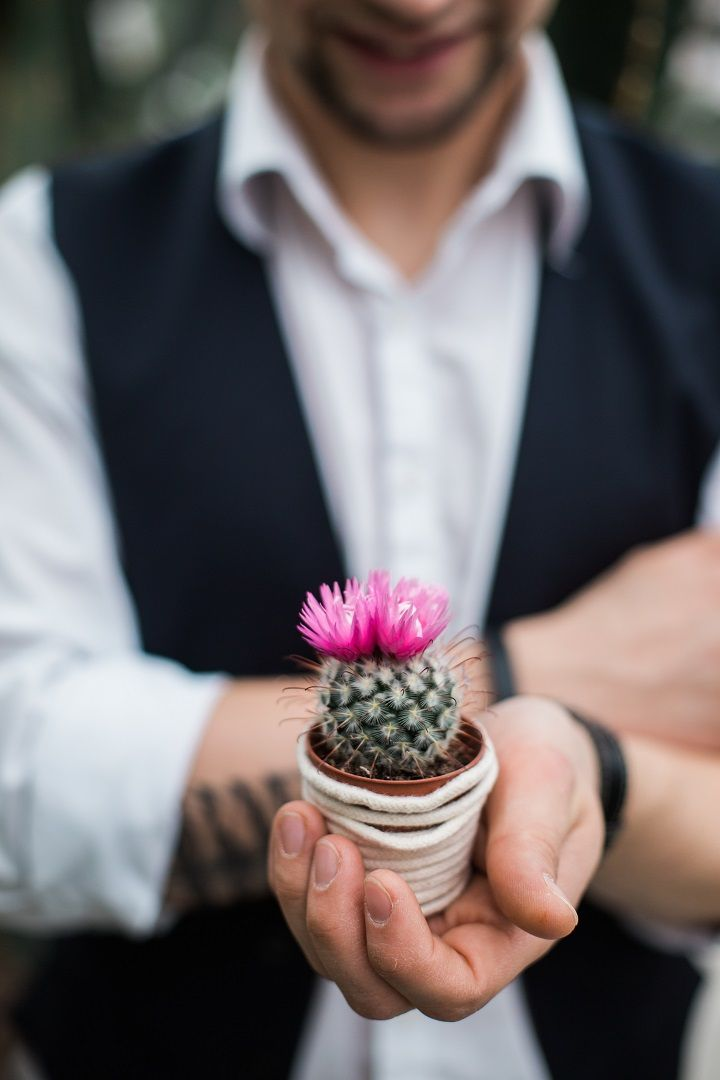 Cactus wedding favor - Cactus Wedding Inspiration Shoot in Botanical Garden | fabmood.com #wedding #weddingstyled #weddinginspiration #weddingideas