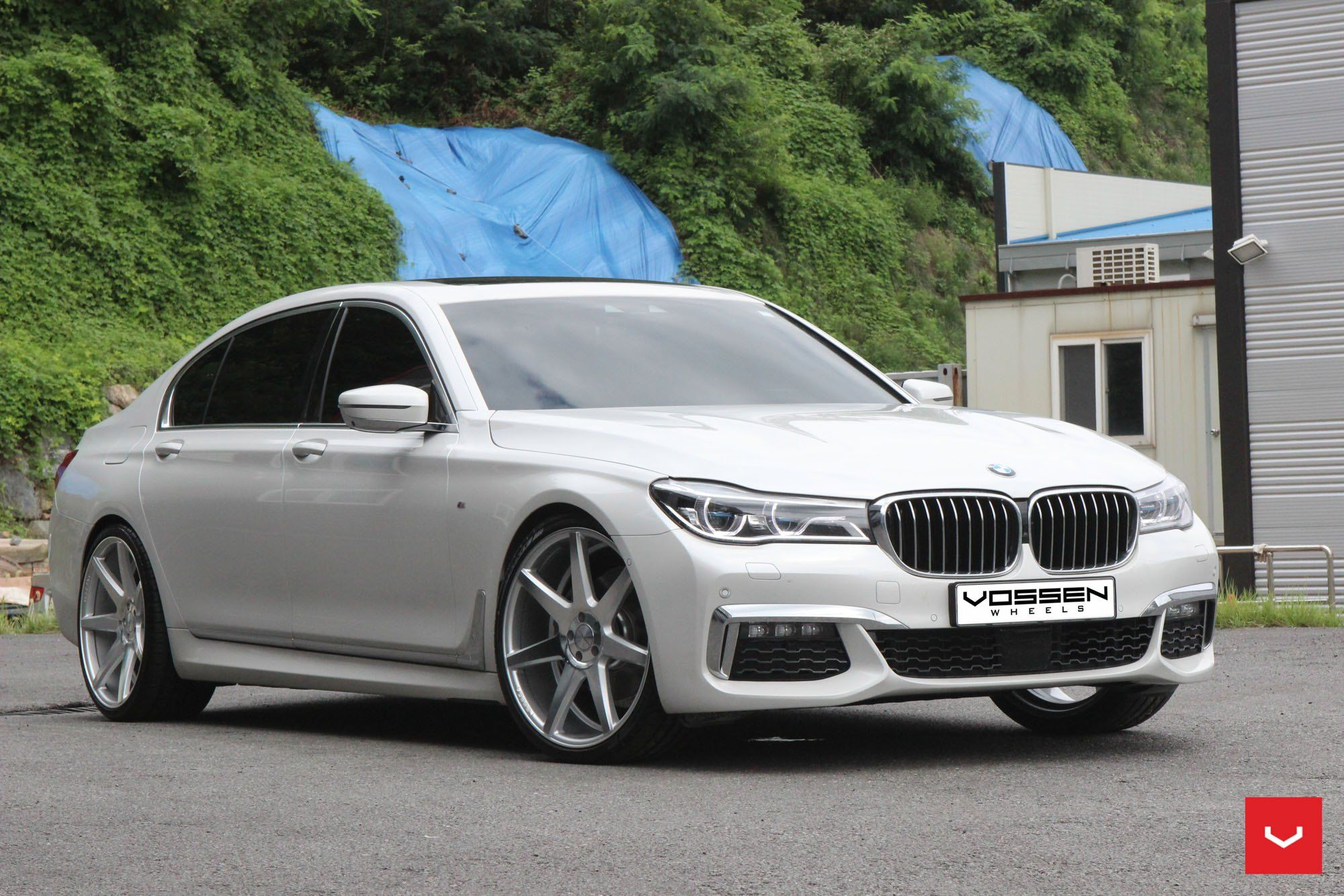 White Bmw 7 Series Enhanced By Chrome Details With Images Bmw