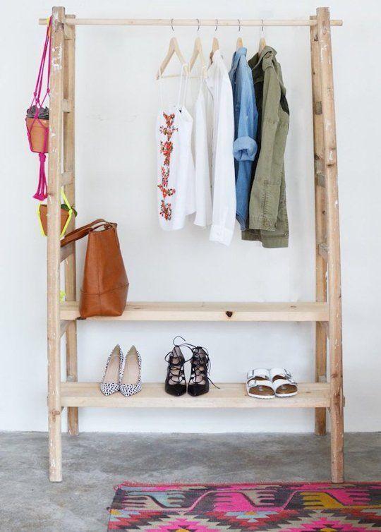 Y UN POCO DE DISEÑO: DIY: Cómo hacer un armario con una escalera ...