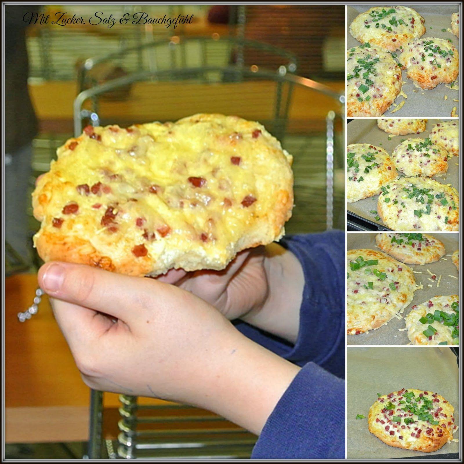 Kinder In Der Küche Rahmfladen Aus Quark öl Teig Pizza