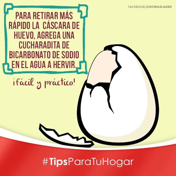 Un excelente tip para quitar las cascaras de huevo más fácilmente.  #Tip #Cocina #Huevo