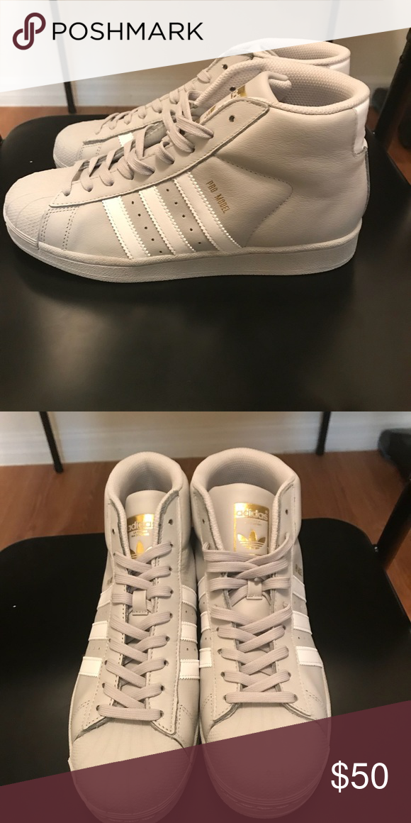 45031bcb92a481 Women s Shell Toe Adidas Hightop NWOT NEVER WORN Boys Size 5 adidas Shoes  Sneakers