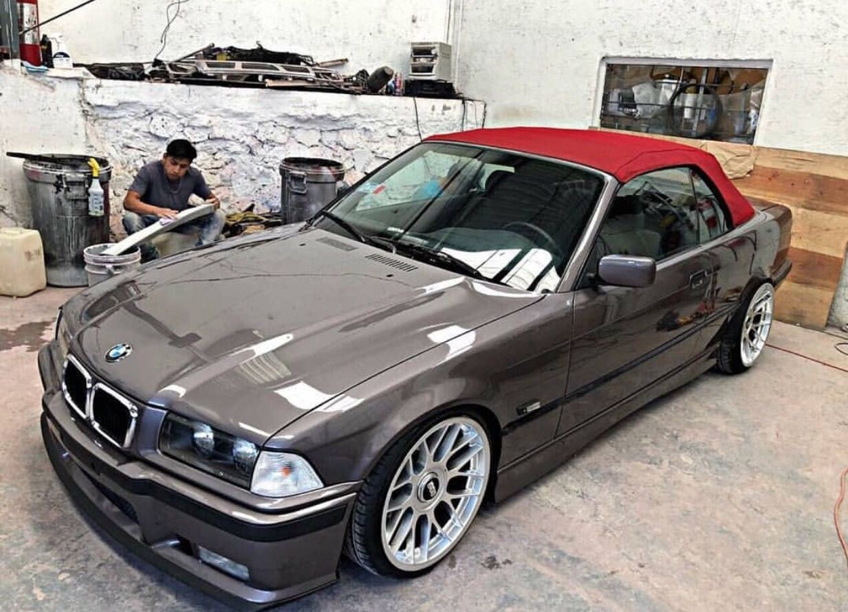Pin By Aboud Riyad On Car Bmw Classic Cars Bmw Wallpapers Bmw