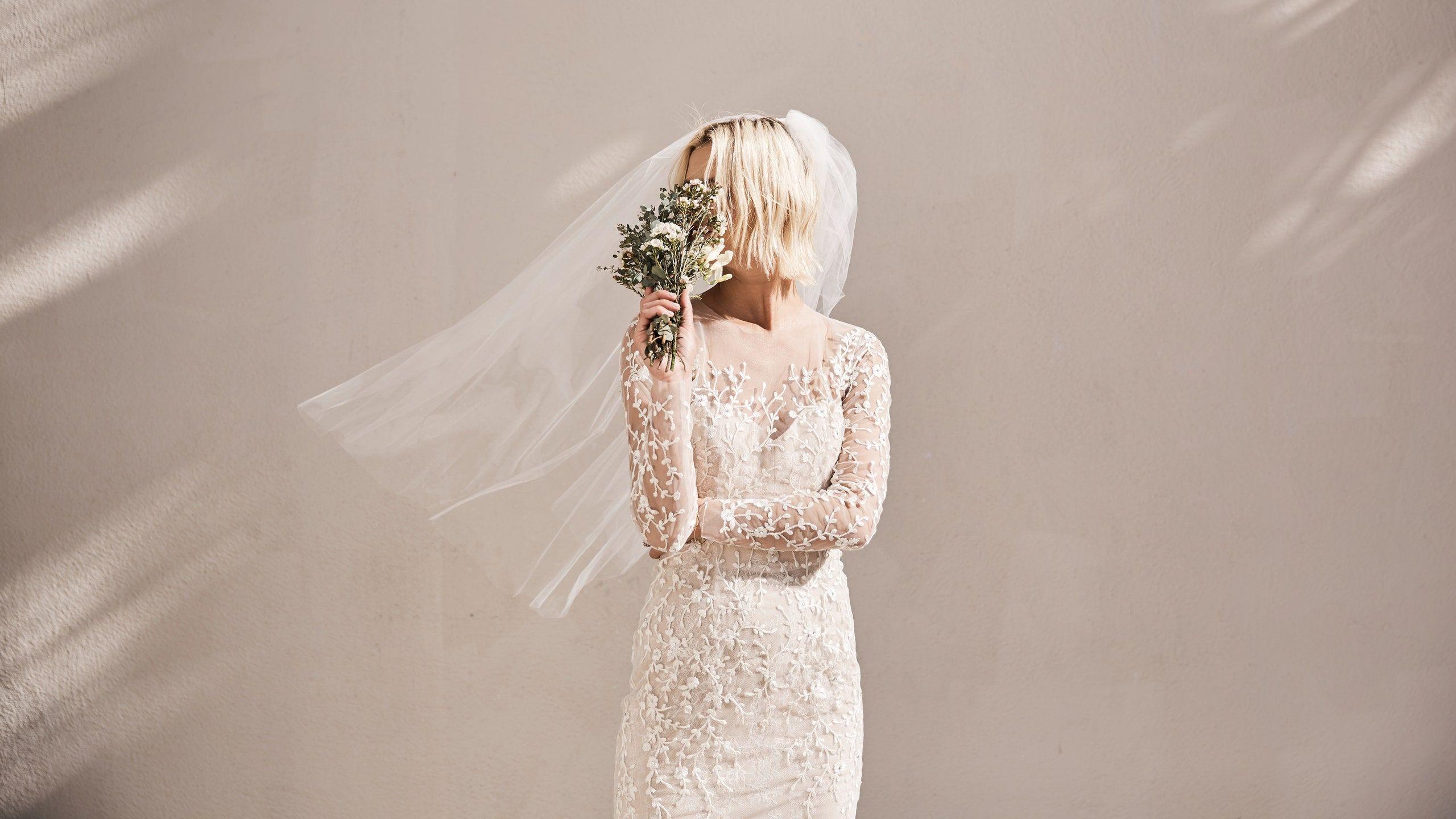 Pin Di Wedding Dress Lipstick