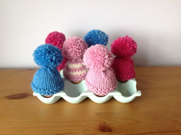 Free Pattern For Knitted Egg Cosies Suitable For Complete Beginner