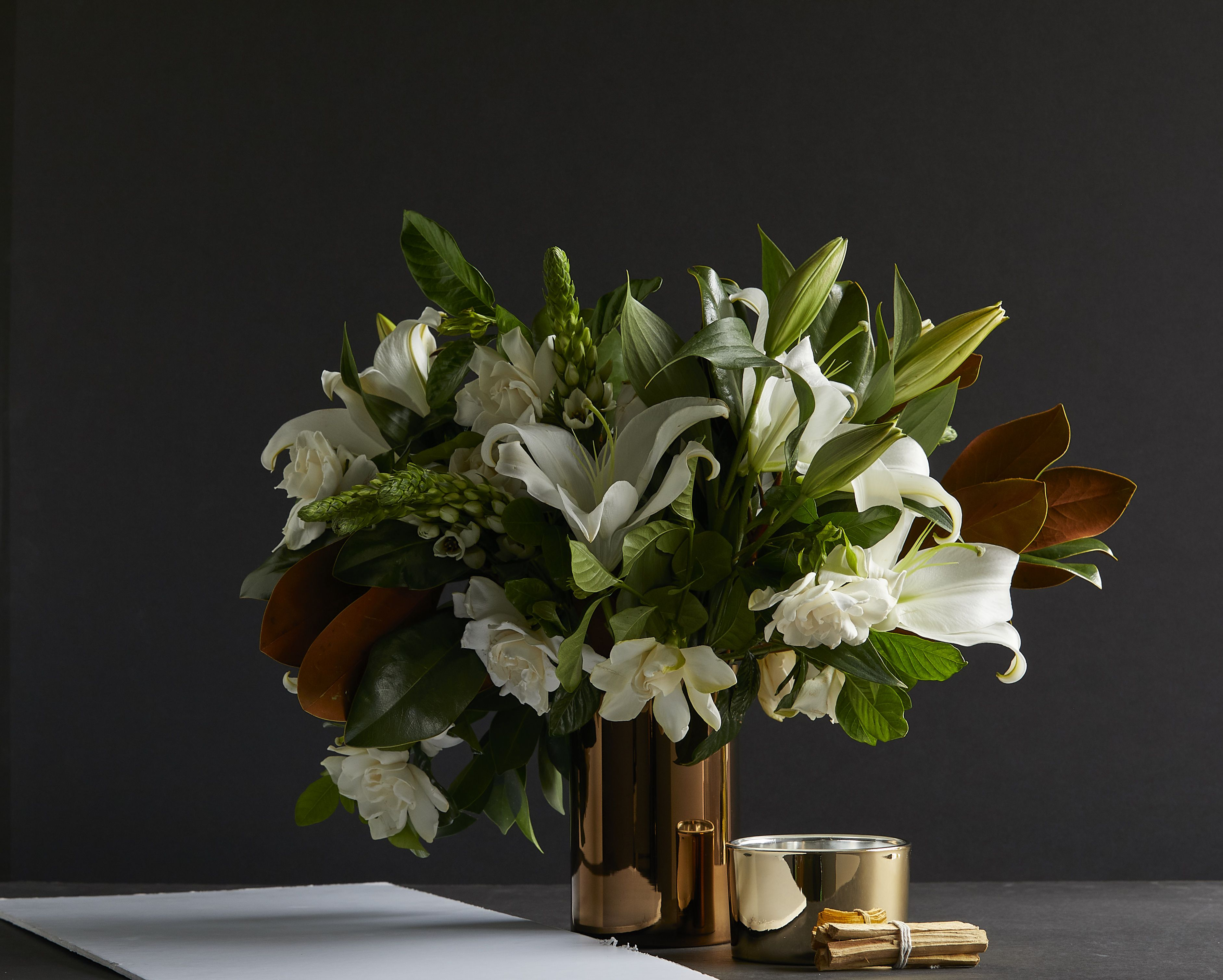 The Gift To Remember On Mother S Day Home Floral Arrangements Luxury Flowers Flower Cafe
