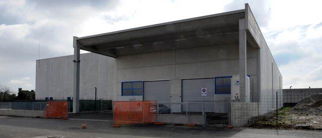 Ecco le prime foto del nuovo capannone Francom Spa (capofila gruppo Syncro System) a San Zeno di Cassola. La nuova sede è diventata operativa nelle ultime settimane, con il trasferimento di una parte delle attività produttive. Poi sarà la volta della finitura, del magazzino, e infine degli uffici.