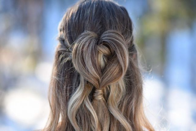 Half Up Heart Bun 2  hairstyles   Hairstyle   Pinterest Half Up Heart Bun 2  hairstyles