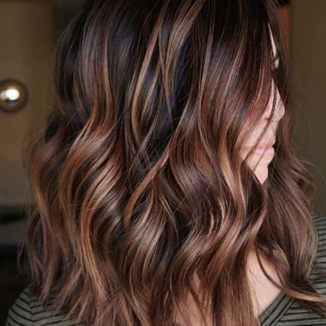 Chestnut Hair Color Ideas That Have Us Ready For Fall Coiffure Coupe De Cheveux Coiffure Balayage