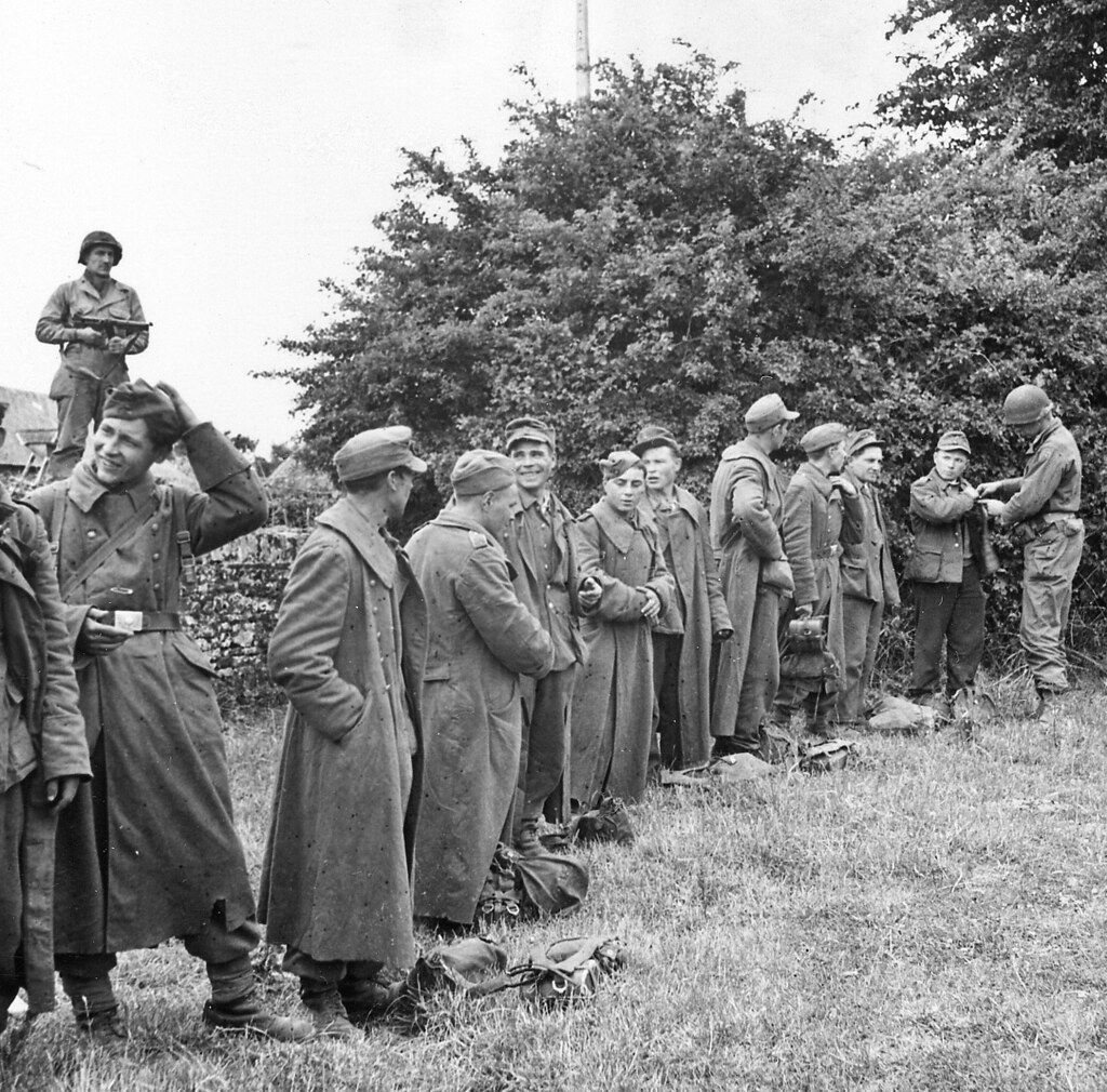 France Normandes Soldats Us Fouillent Des Pows