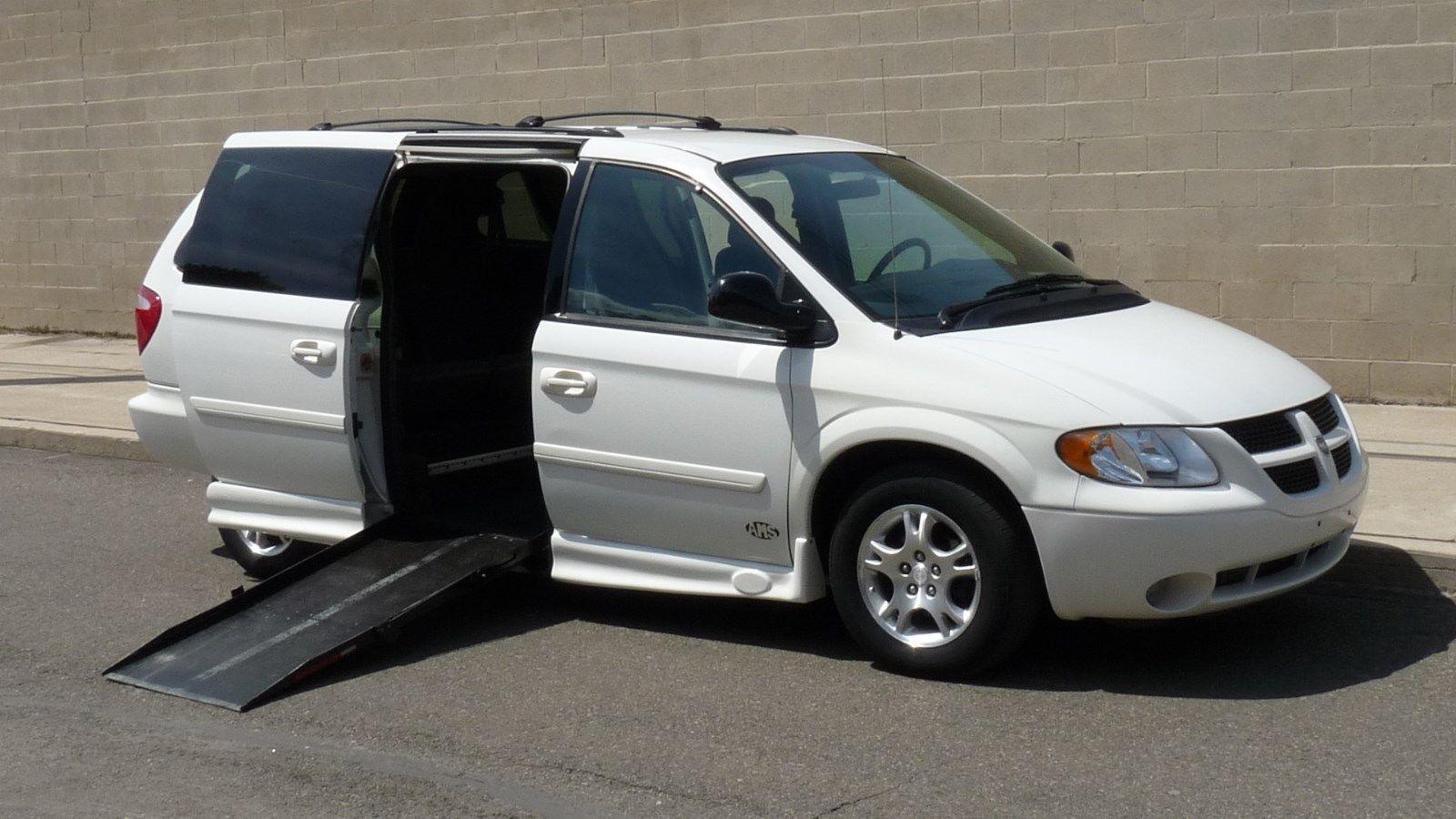 2004 Dodge Caravan Handicap Van 2004 Dodge Grand Caravan Sxt 72 904 Miles Like Chrysler Town Handicap Van Caravan Grand Caravan